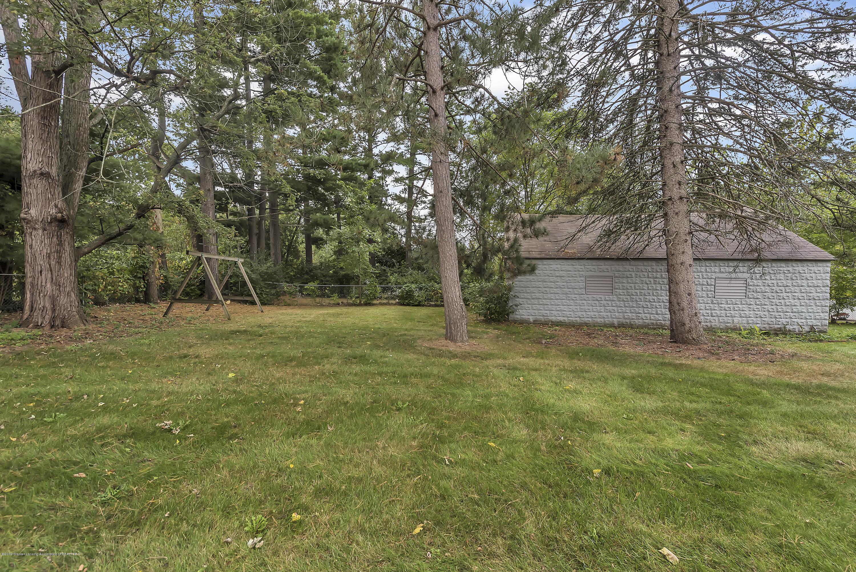 4858 Hillcrest Ave - Backyard - 29