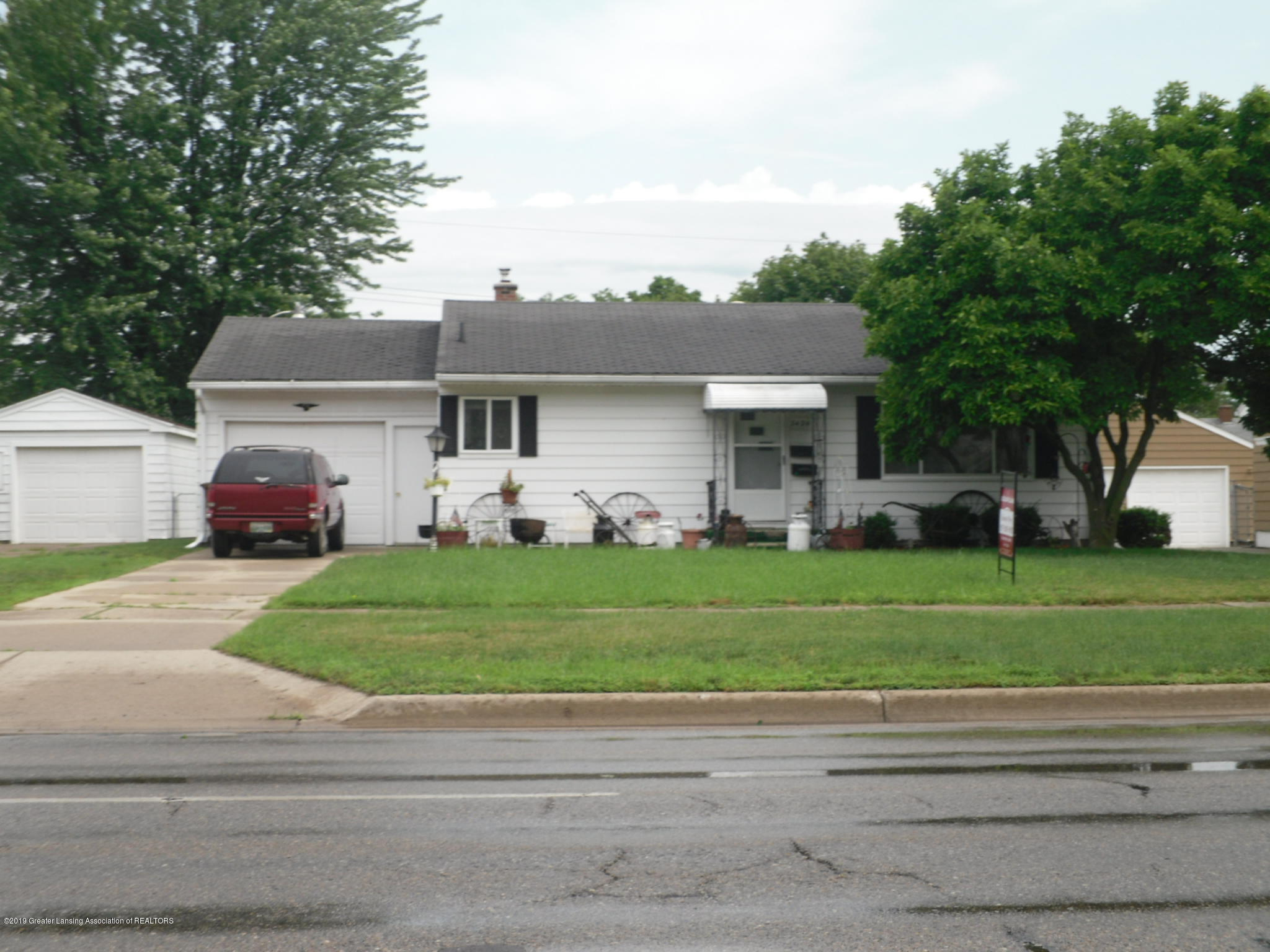 3424 W Willow St - Front - 1