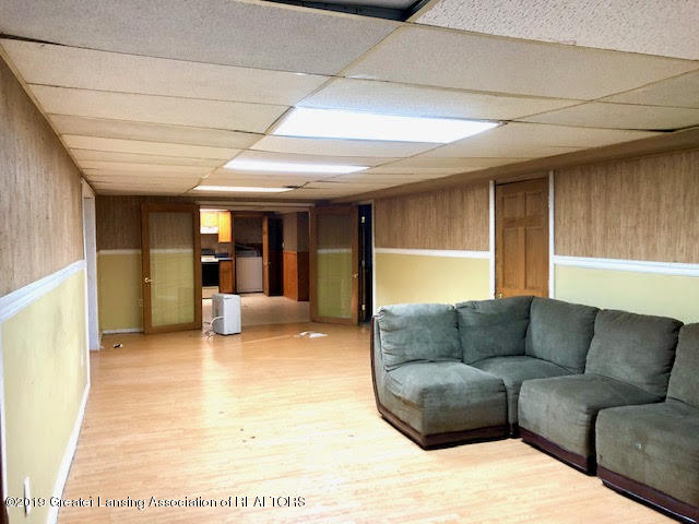 5676 Kinneville Rd - basement living room - 16