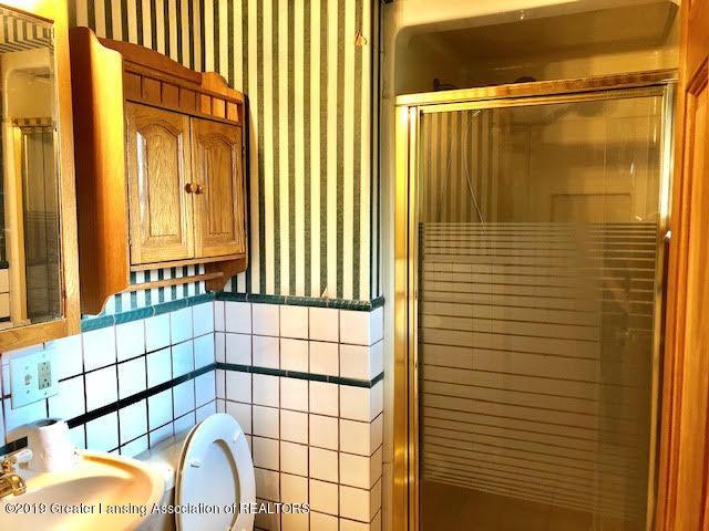 5676 Kinneville Rd - master bath - 12