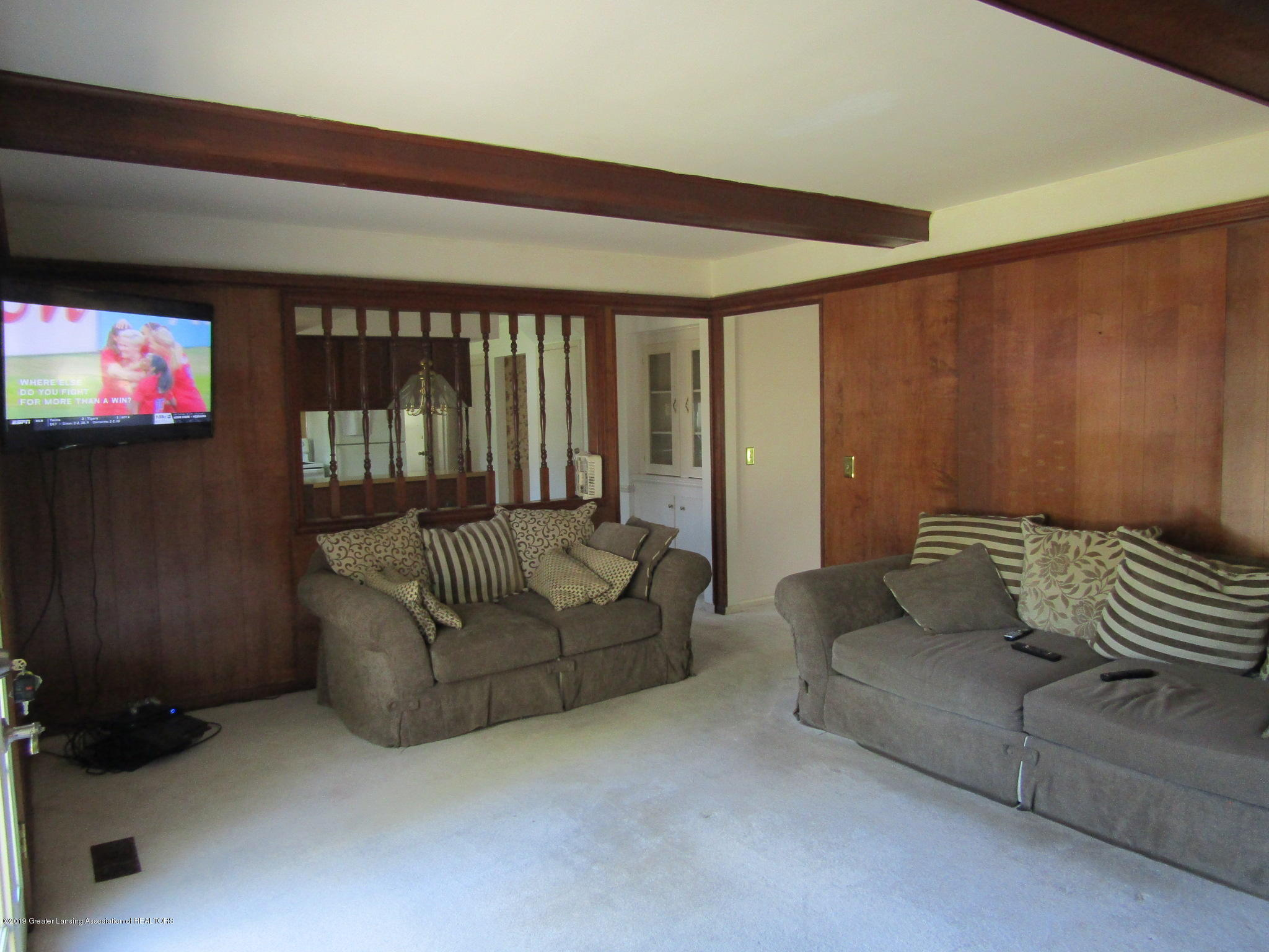 2621 S Waverly Rd - Family Room - 16