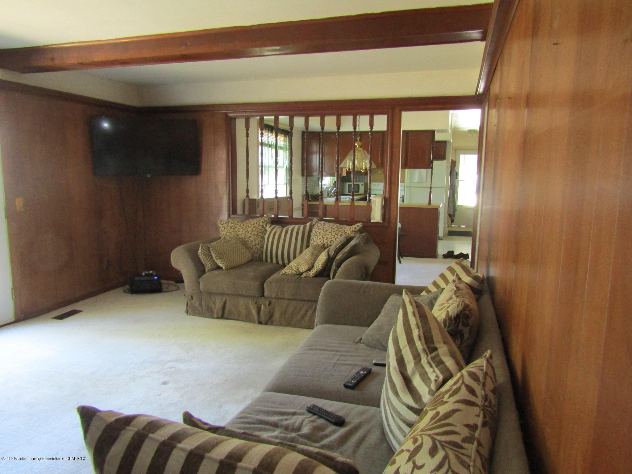 2621 S Waverly Rd - Family Room - 17