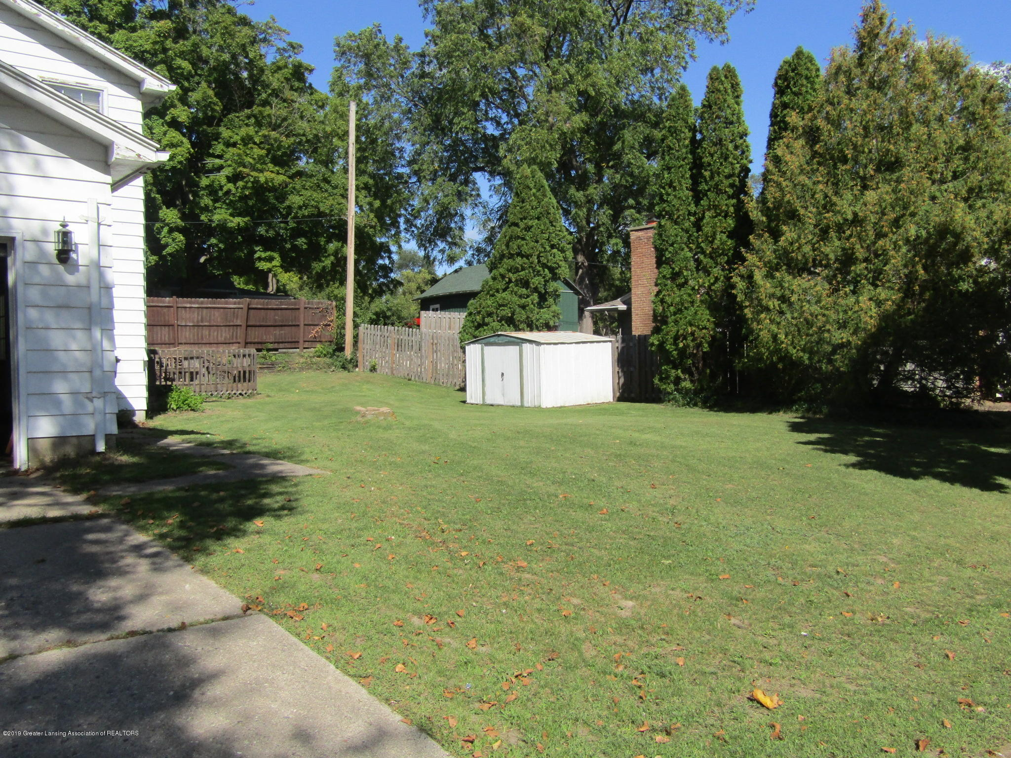 2621 S Waverly Rd - Yard - 48