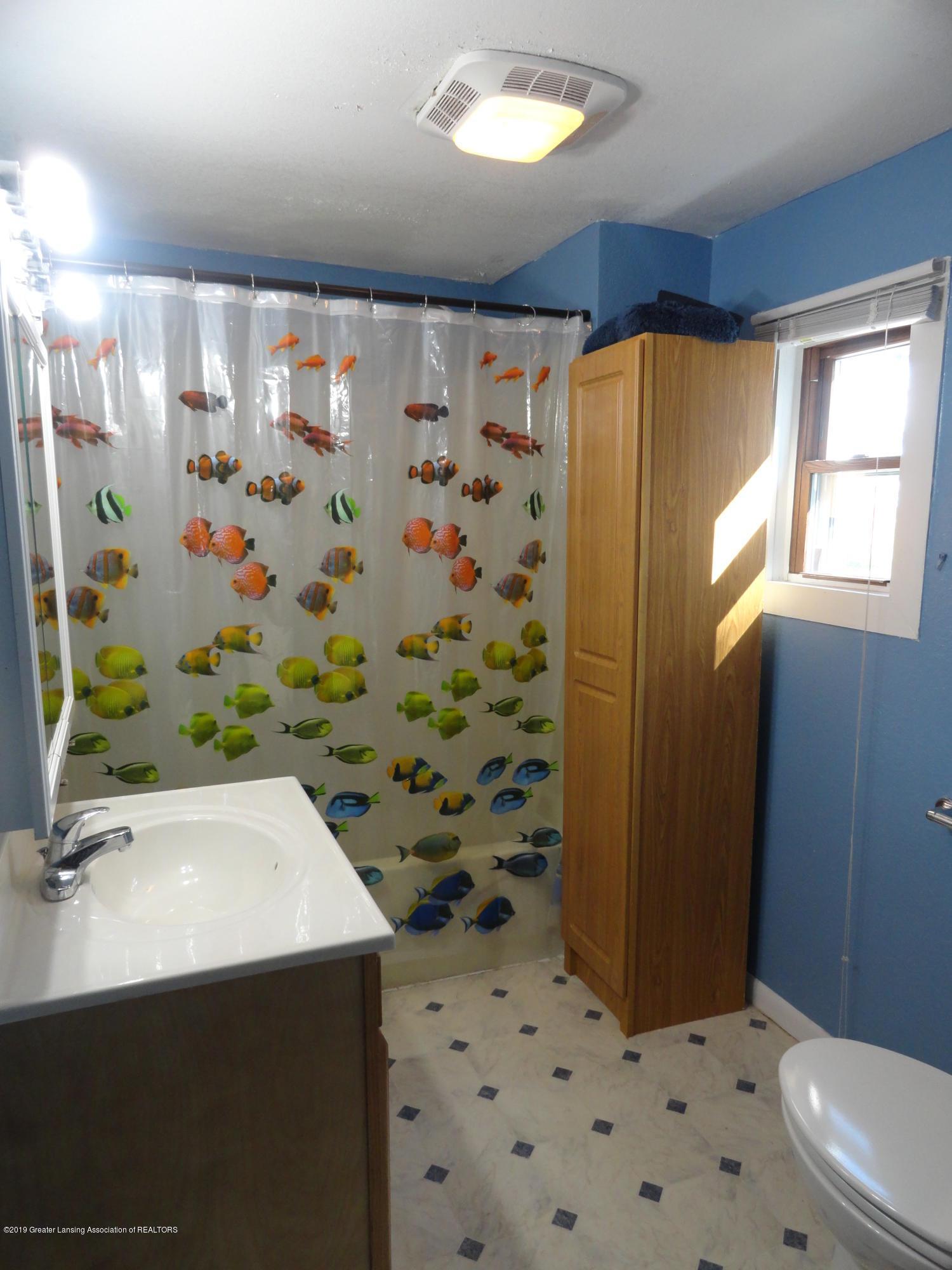 9041 Petrieville Hwy - 7 Bathroom - 9