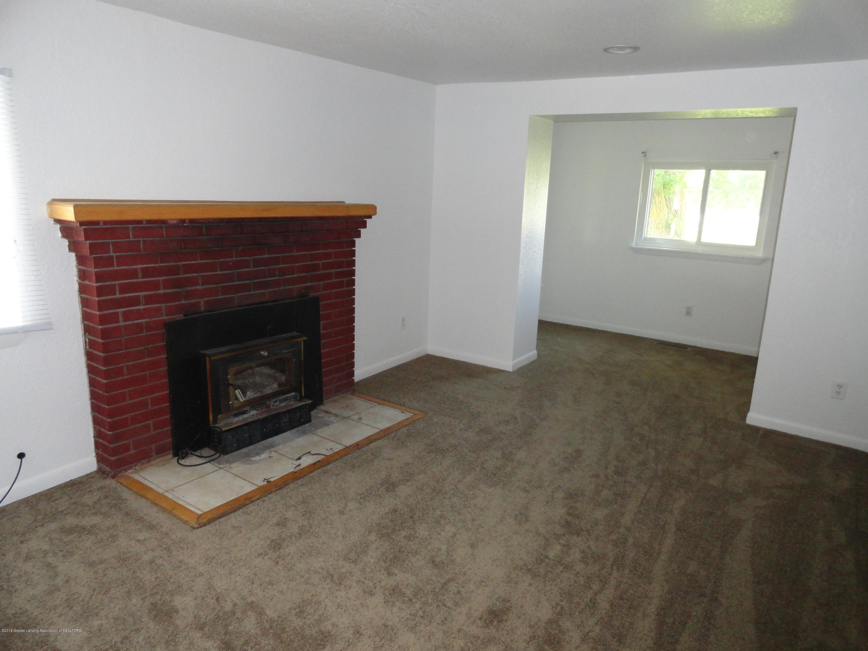 9041 Petrieville Hwy - 8 Living room 1 - 7