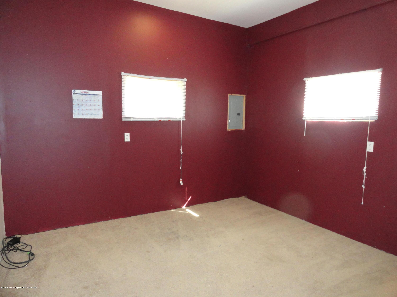 9041 Petrieville Hwy - 19 Pole Barn Office - 19