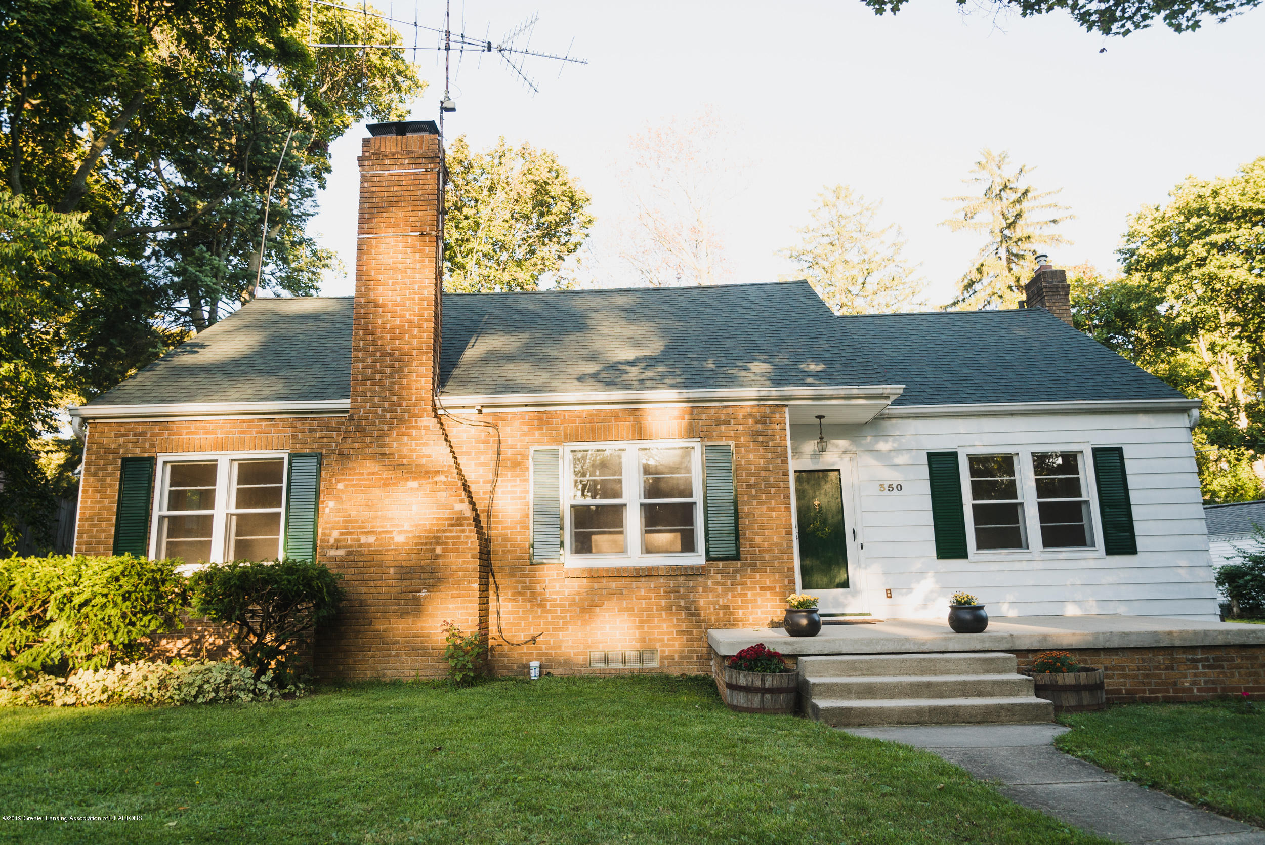 350 Chesterfield Pkwy - DSC01449 - 2