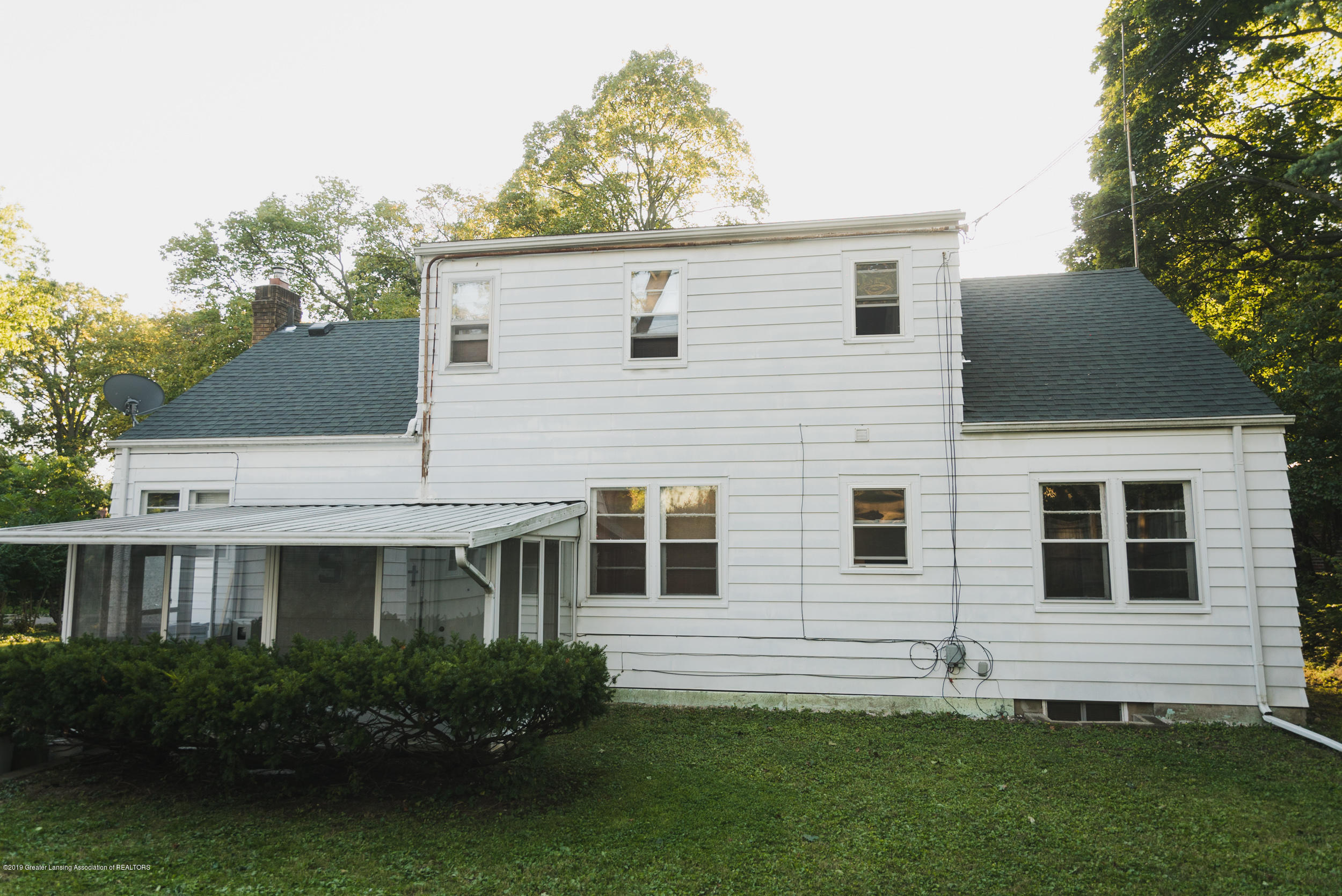 350 Chesterfield Pkwy - DSC01455 - 4