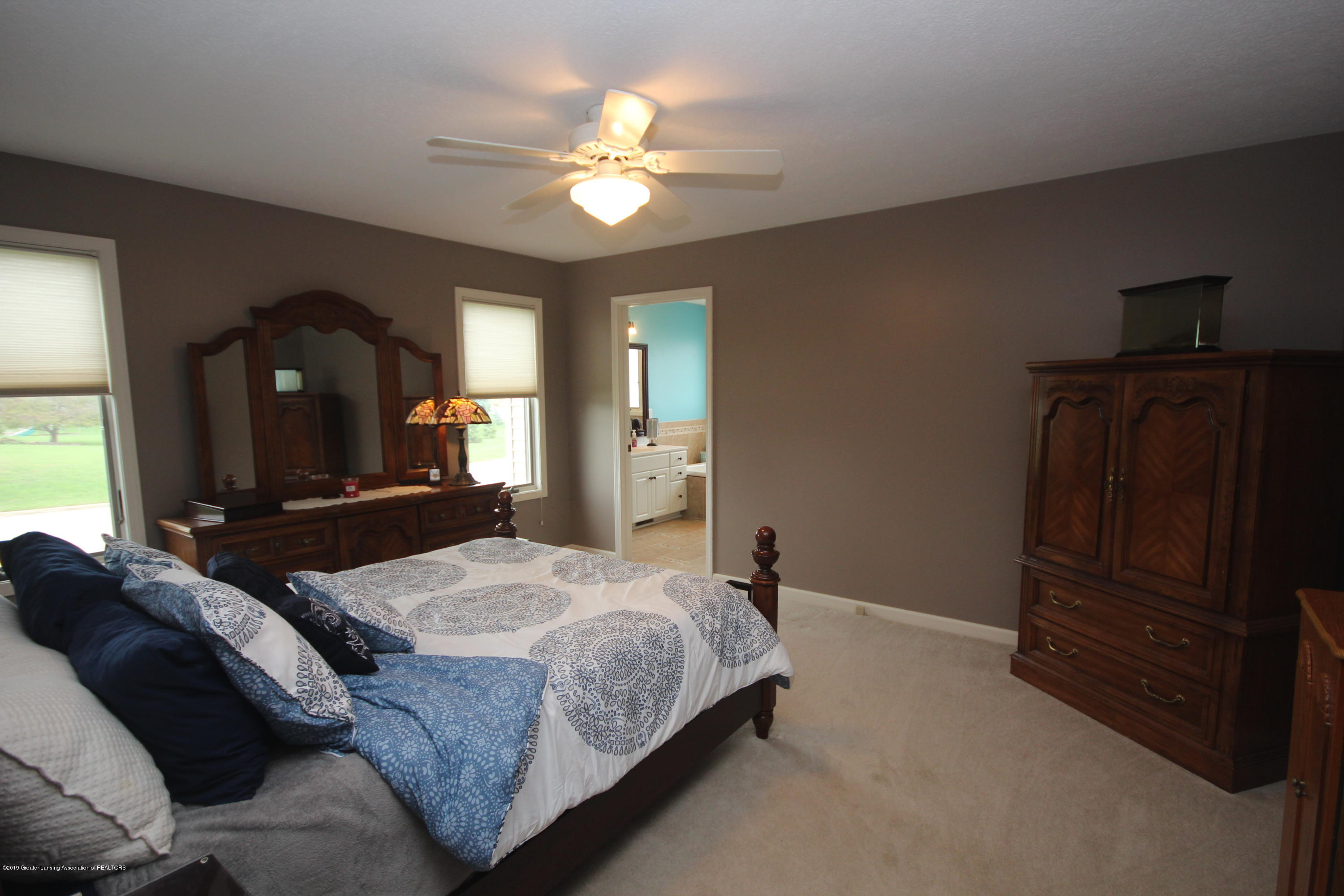 1121 Brown Hollow Dr - Master Suite - 12
