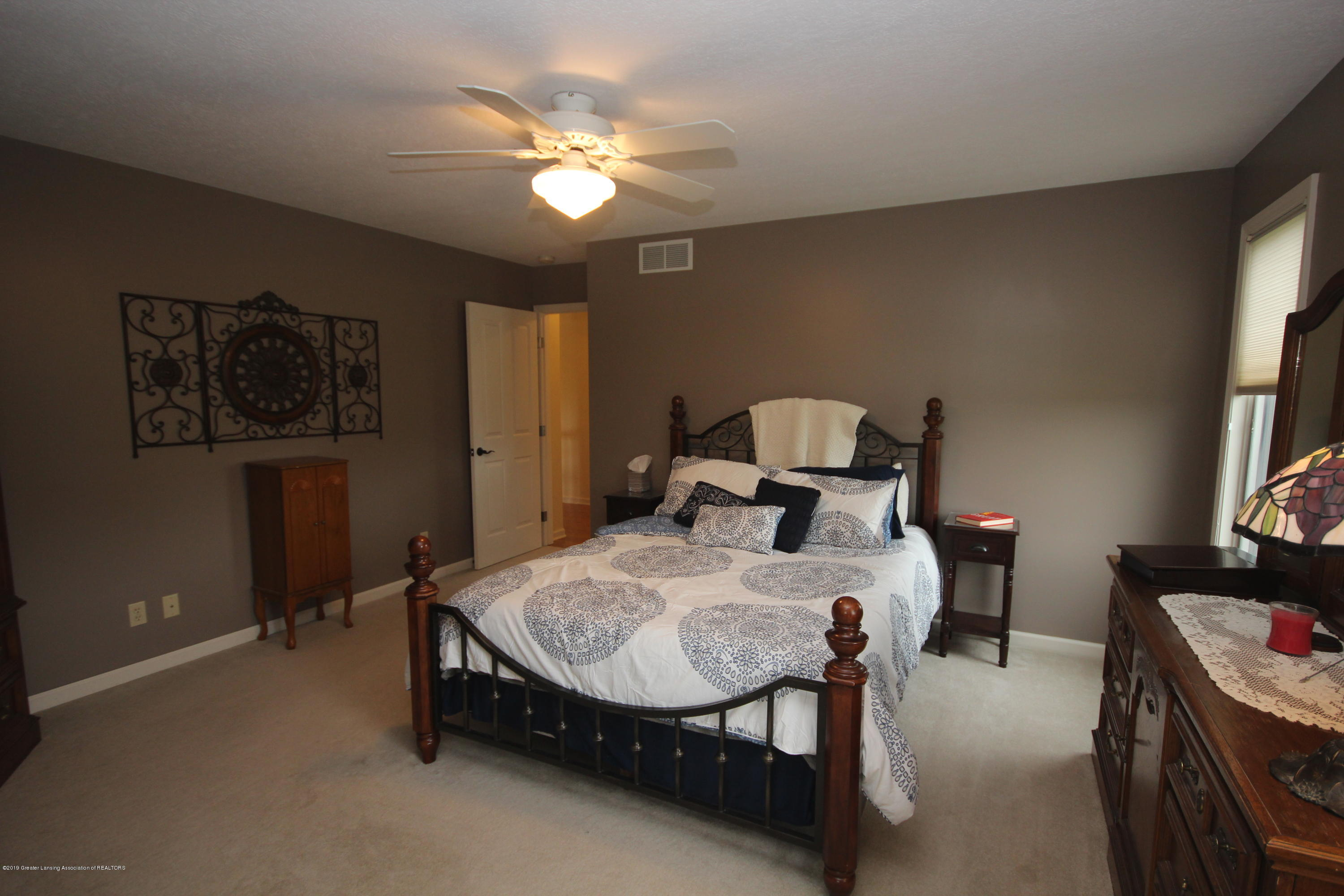 1121 Brown Hollow Dr - Master Suite - 13