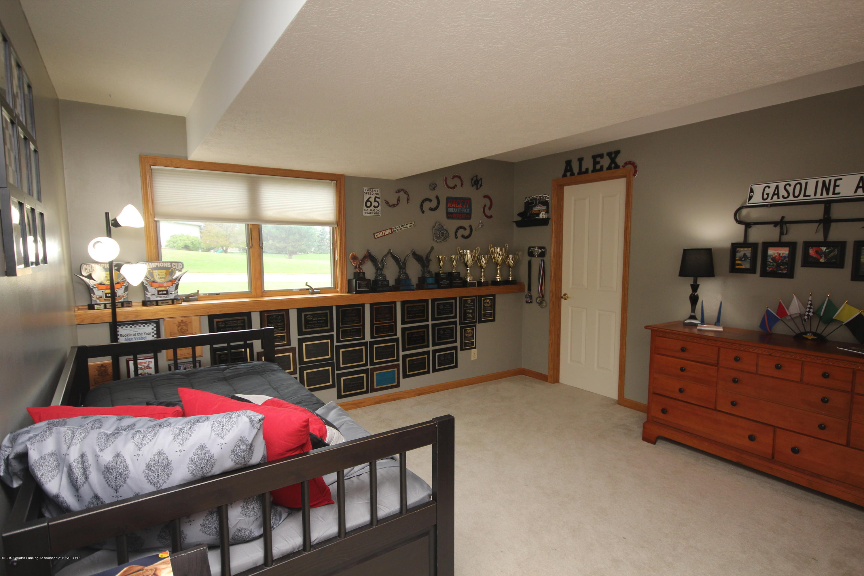 1121 Brown Hollow Dr - Lower level - 24