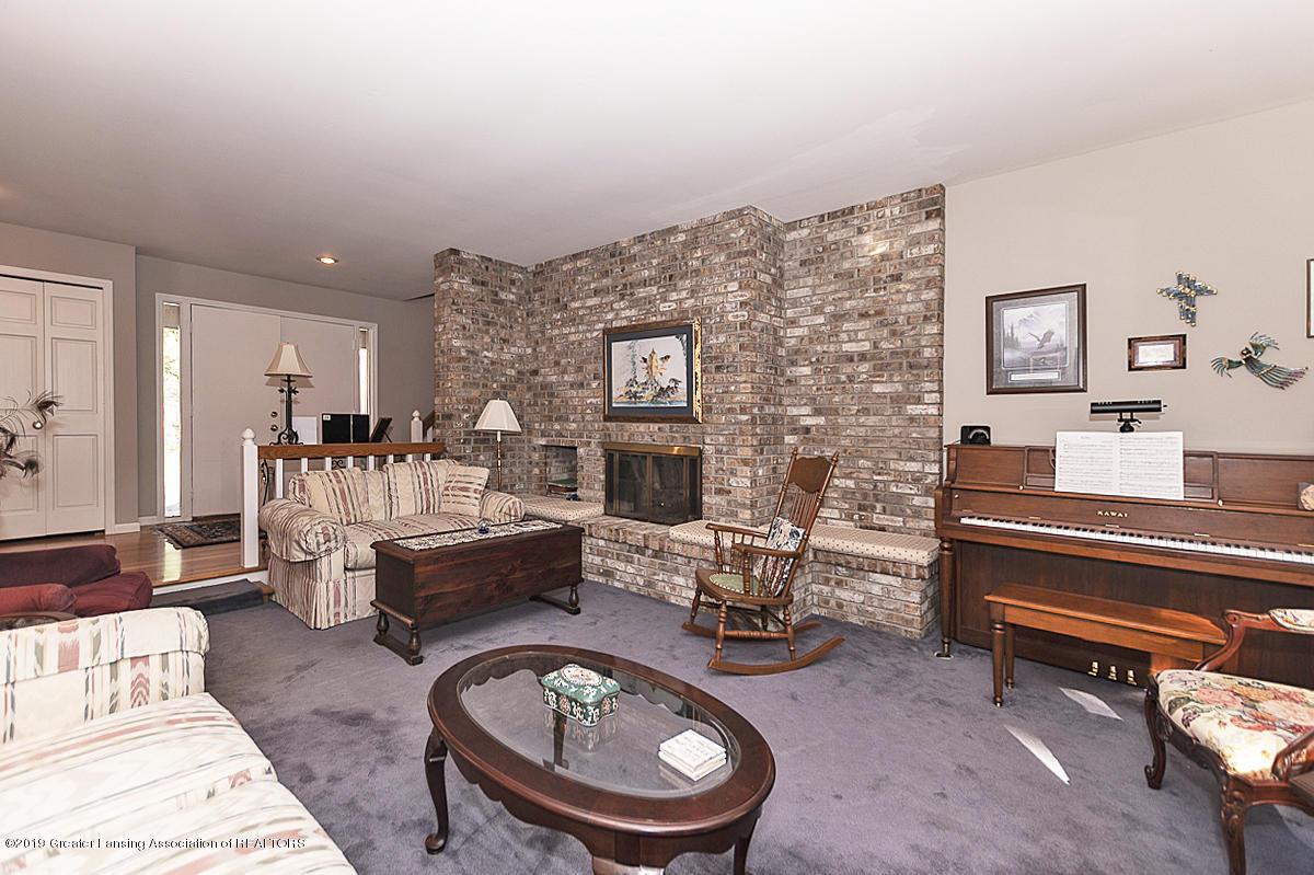 5975 Caleta Dr - Living Room - 3