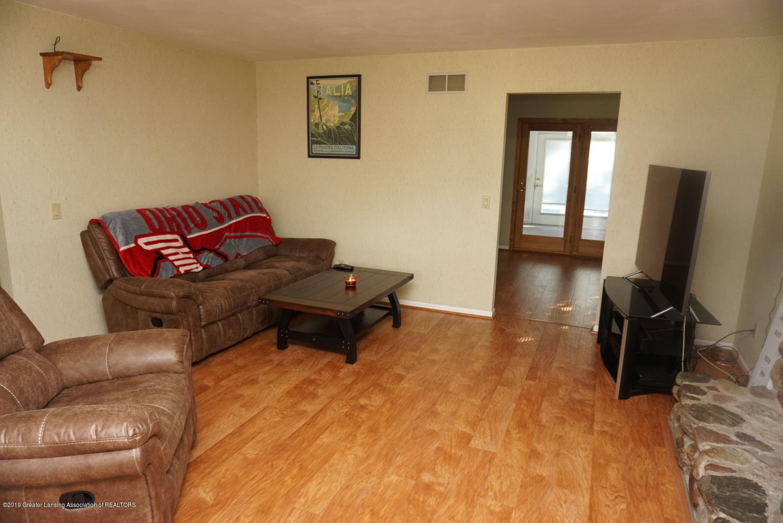 428 Stone Ridge Dr - Living Room - 4