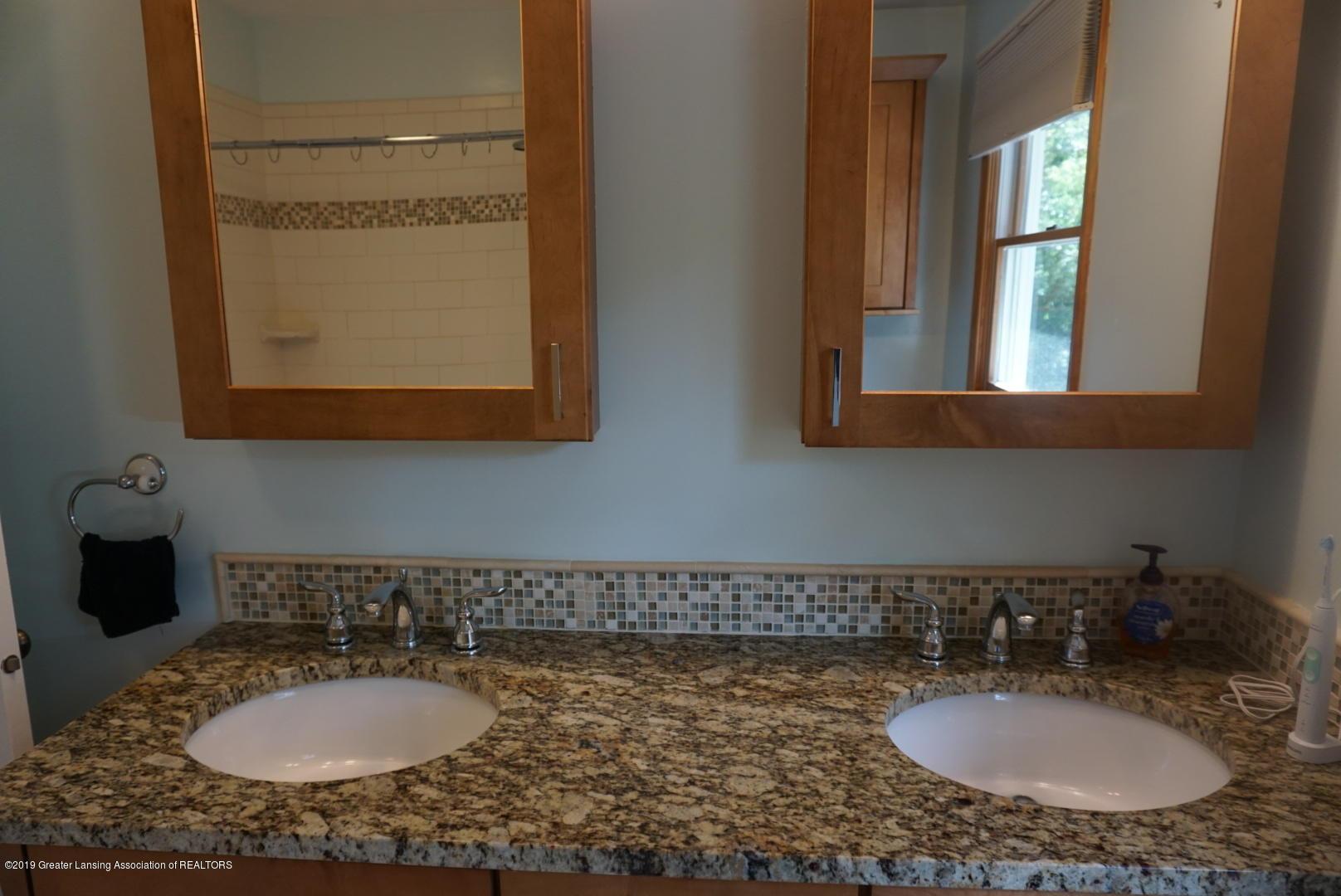 428 Stone Ridge Dr - Master Bathroom - 13