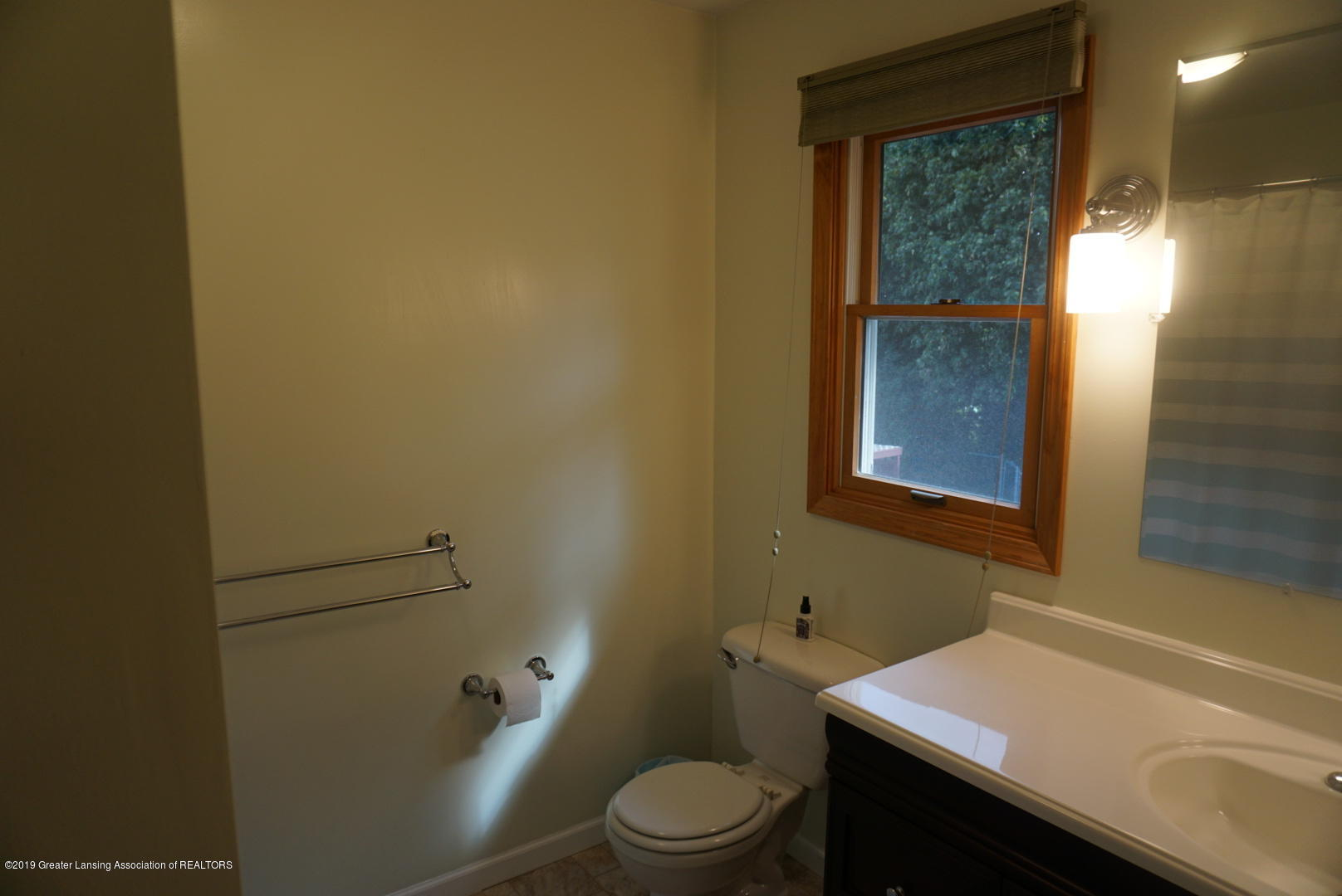 428 Stone Ridge Dr - Second Full Bathroom - 24