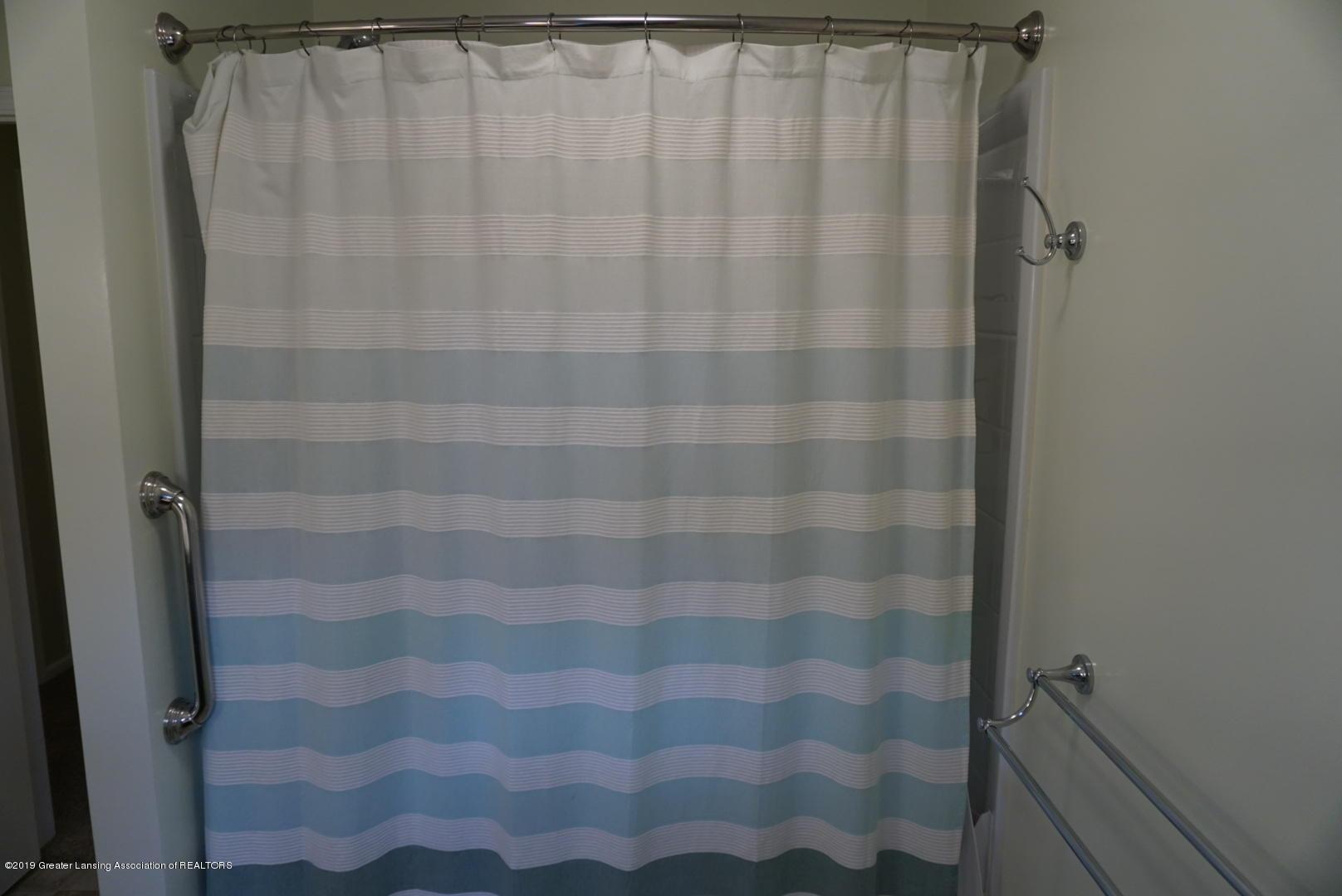 428 Stone Ridge Dr - Second Full Bathroom - 25