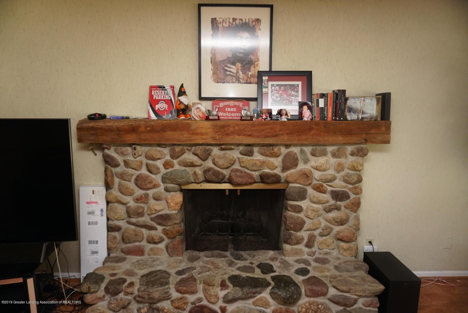 428 Stone Ridge Dr - Living Room - 5