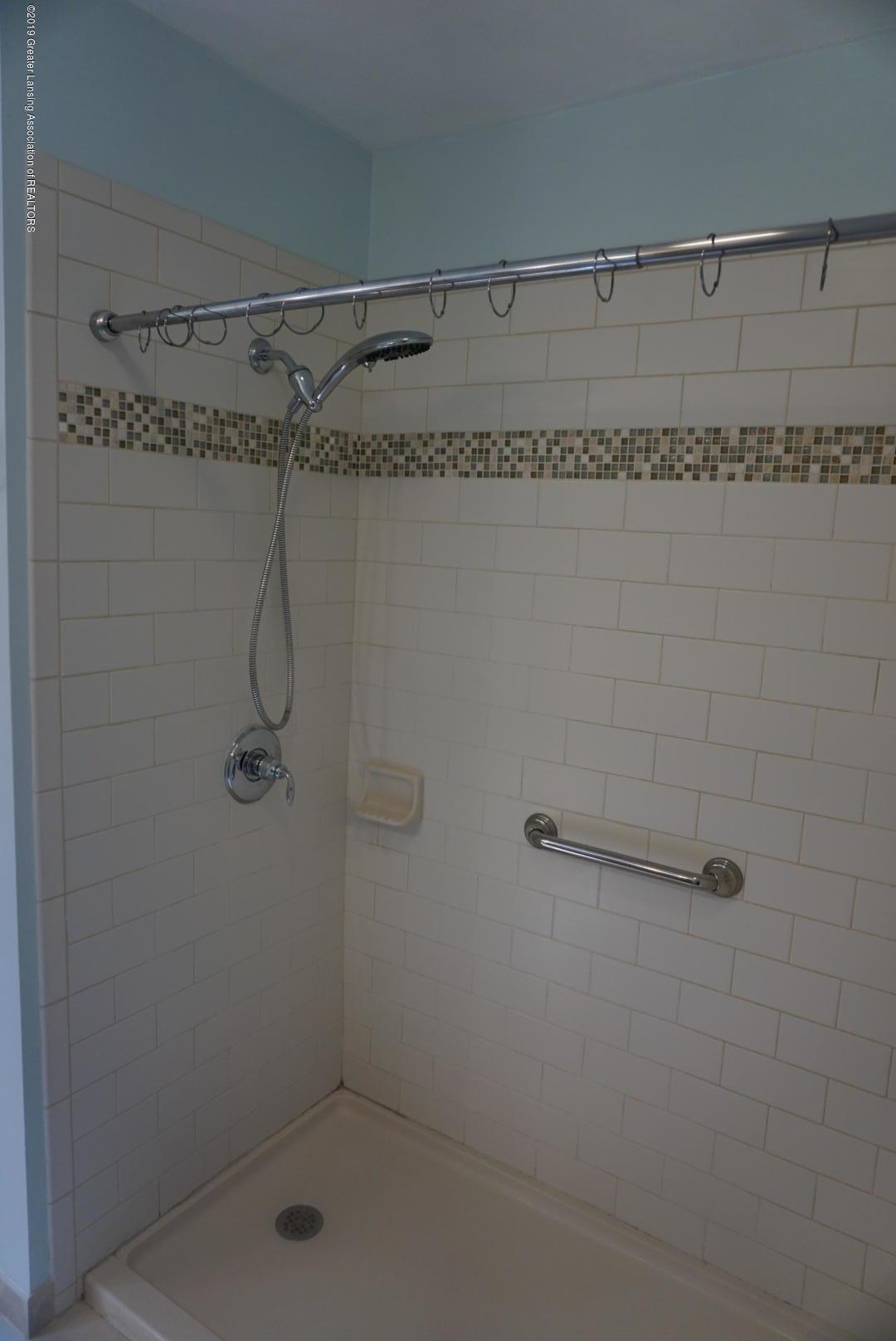 428 Stone Ridge Dr - Master Bathroom - 14