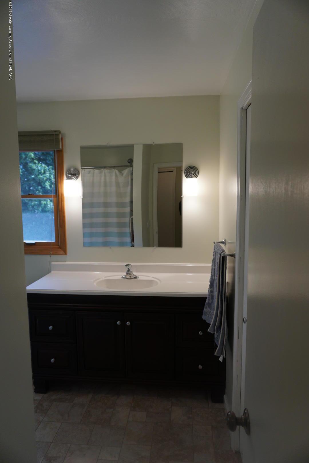 428 Stone Ridge Dr - Second Full Bathroom - 23