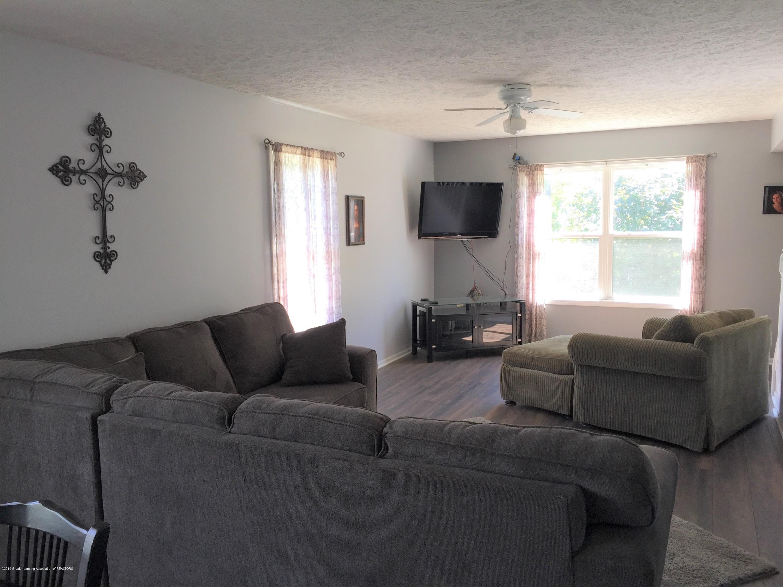 211 E Williams St - 4 Living Room - 4