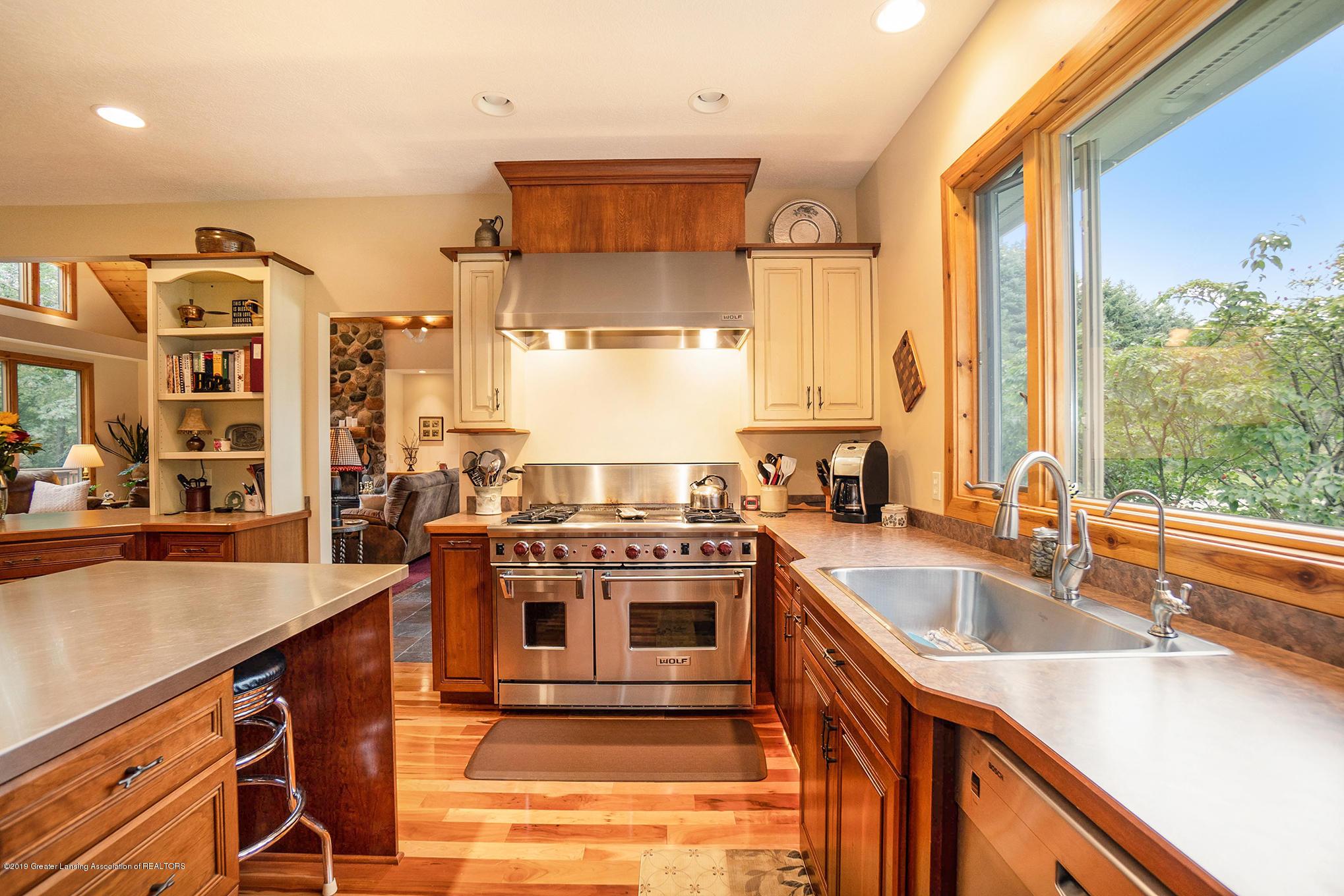 8502 Doyle Rd - Kitchen - 23