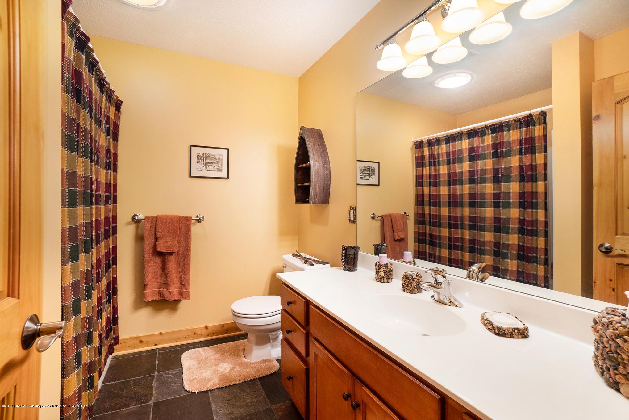 8502 Doyle Rd - Basement Full Bath - 41