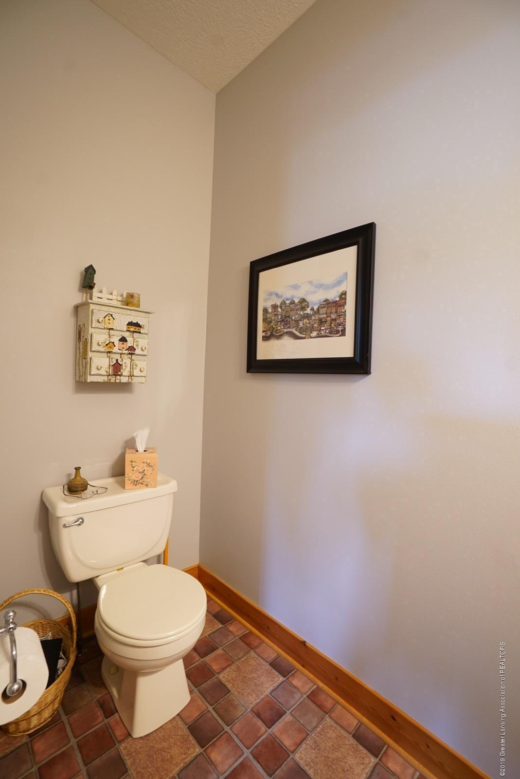 8502 Doyle Rd - 1st Floor Half Bath - 35