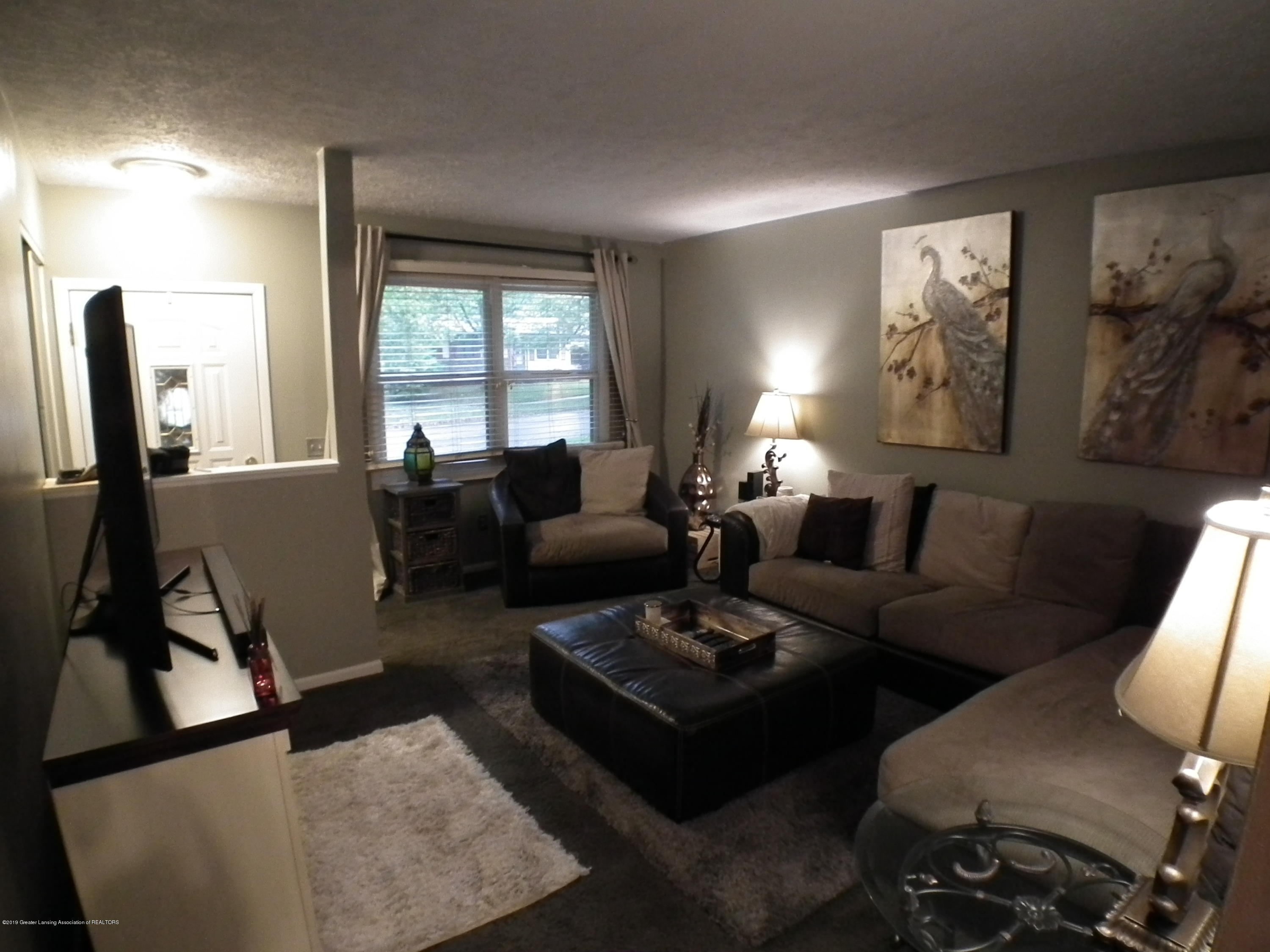 2315 Byrnes Rd - Living Area a - 3