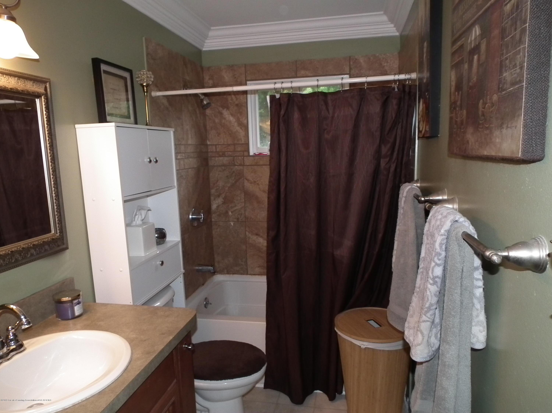 2315 Byrnes Rd - Main bath a - 18