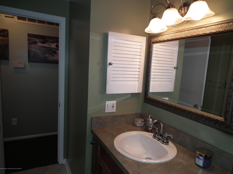 2315 Byrnes Rd - Main bath b - 19