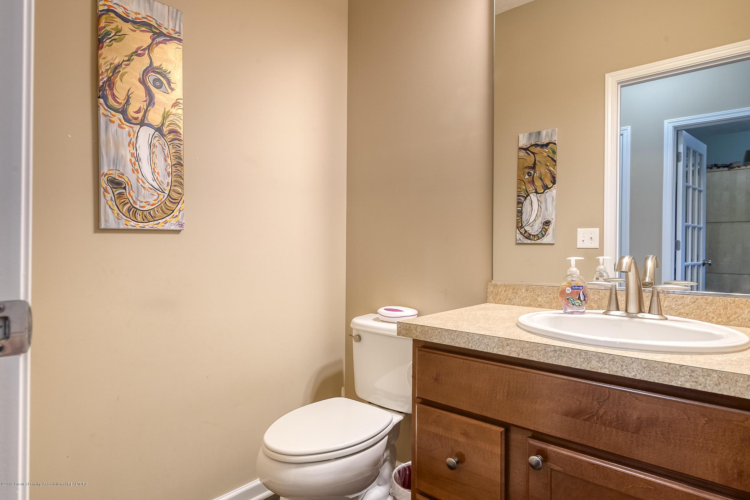 649 Willet Way - Half Bathroom - 32