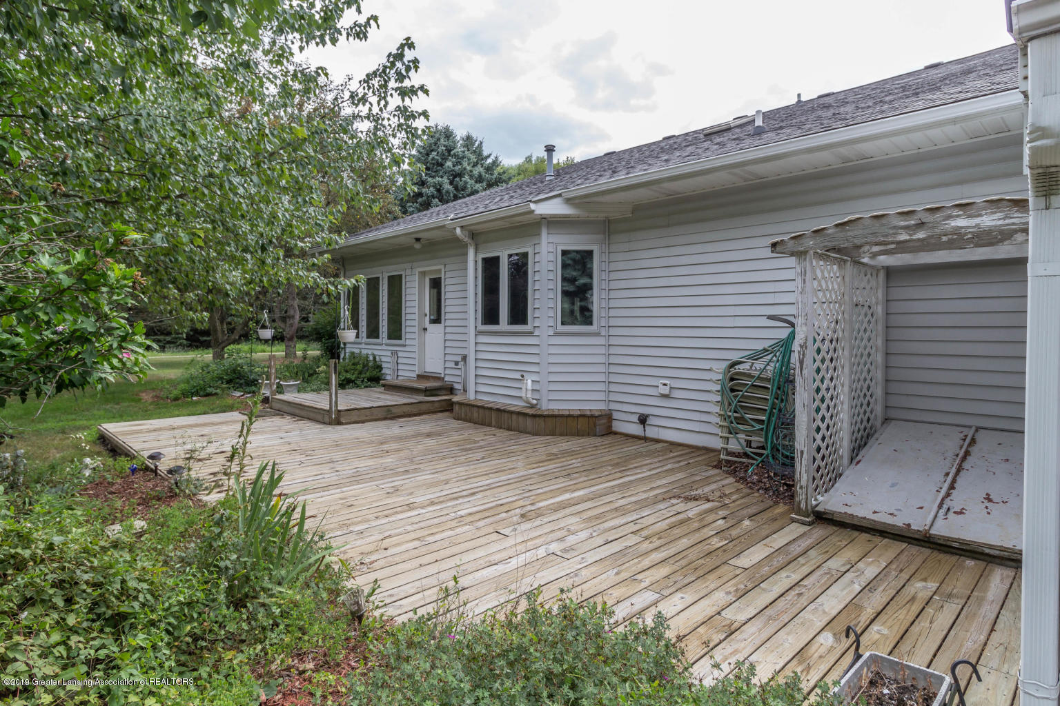 637 Ives Rd - Ives 12 - 12