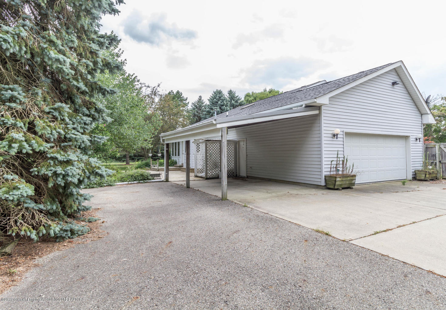 637 Ives Rd - Ives 13 - 13