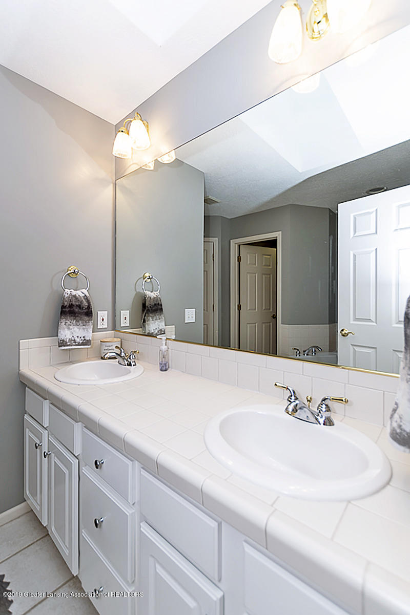 2467 White Pine Dr - MASTER SUITE - 18