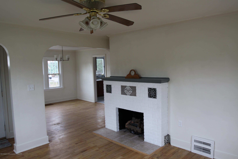 336 S Waverly Rd - Living Room - 2