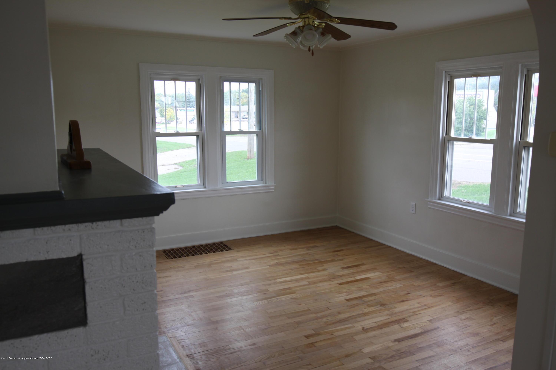 336 S Waverly Rd - Living Room - 3