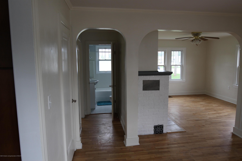 336 S Waverly Rd - Hallway to Bedroom/Bath - 5