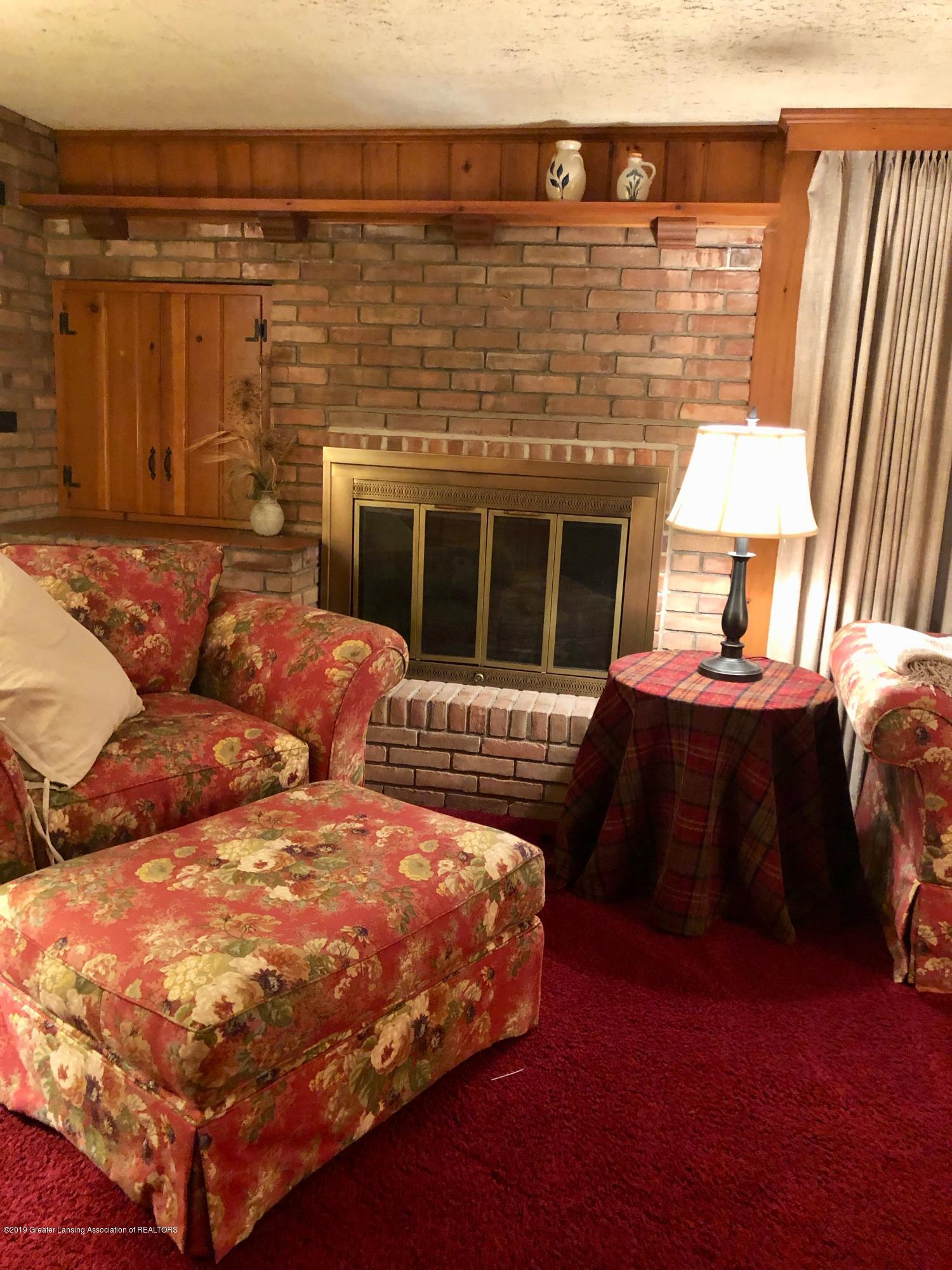 633 Butterfield Dr - Family Room - 18