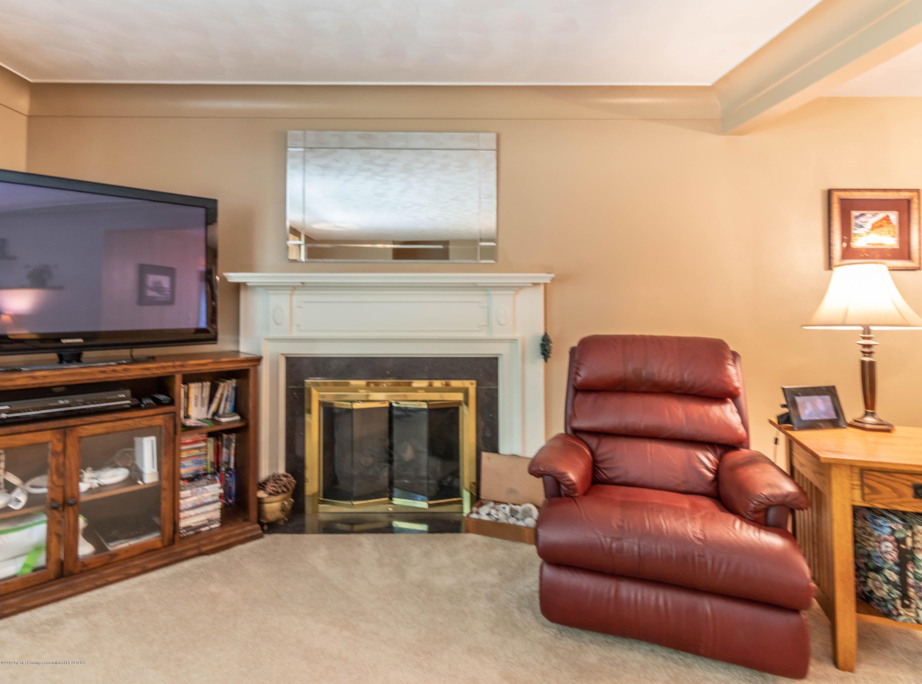 4913 Sugarbush Ln - Living - 9