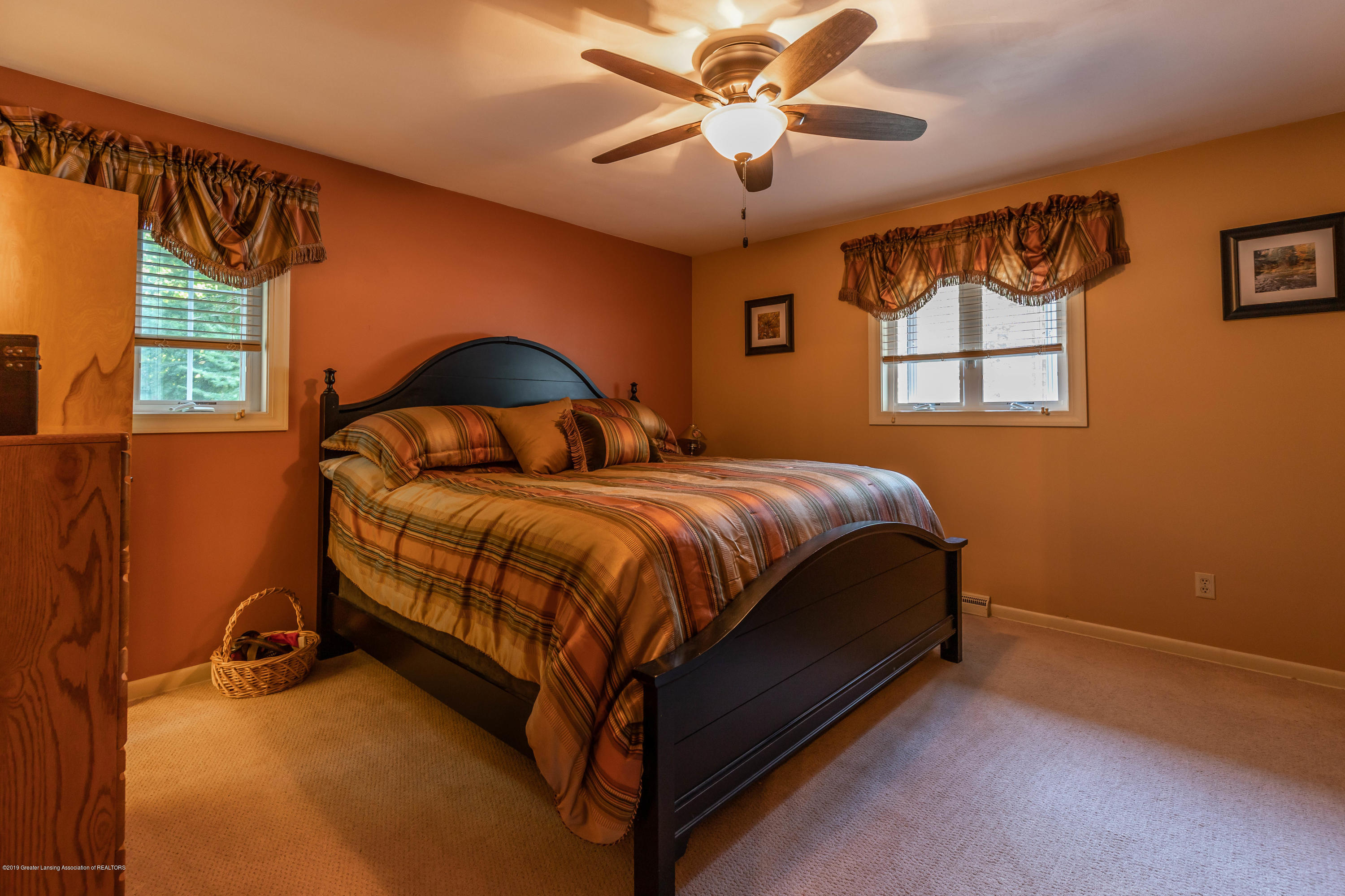 4913 Sugarbush Ln - Bedroom - 18