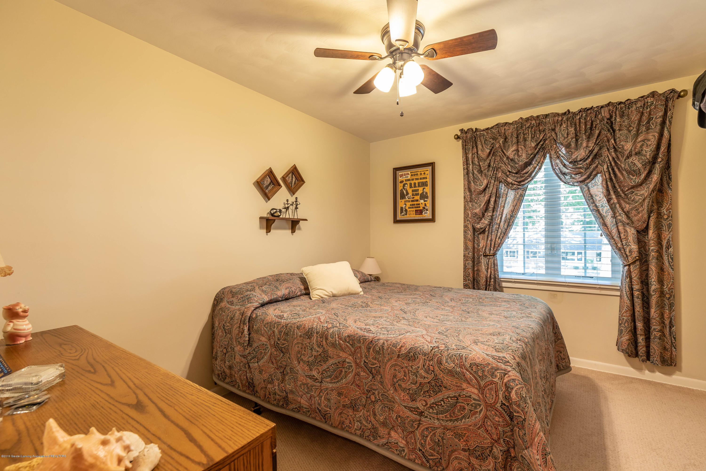 4913 Sugarbush Ln - Bedroom - 25