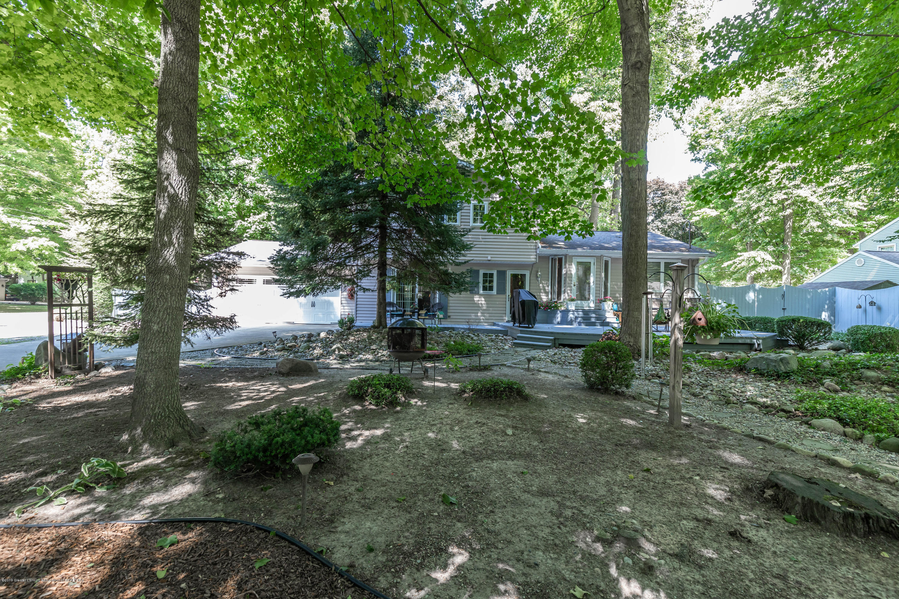 4913 Sugarbush Ln - Backyard - 32