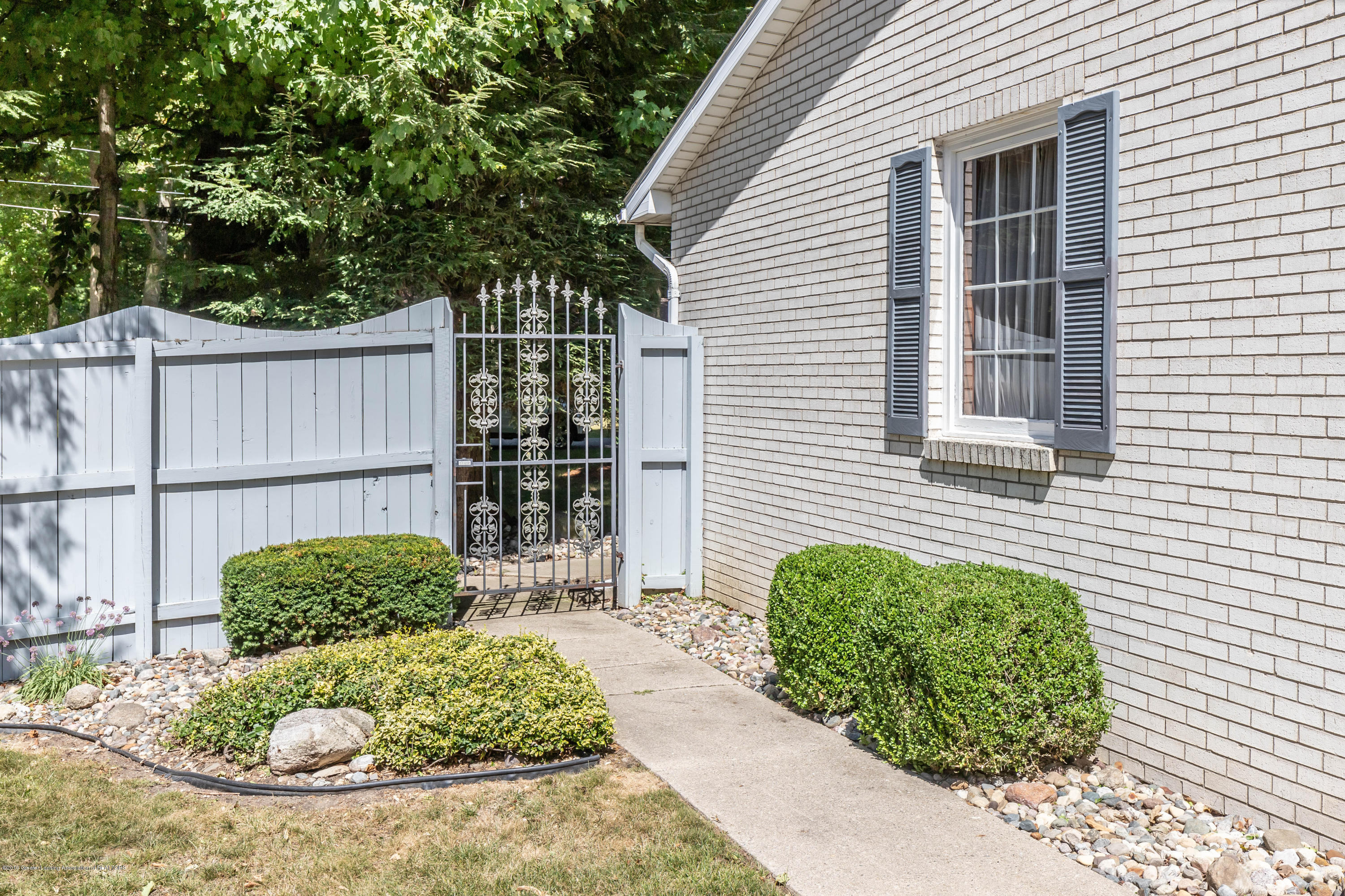 4913 Sugarbush Ln - Backyard - 41
