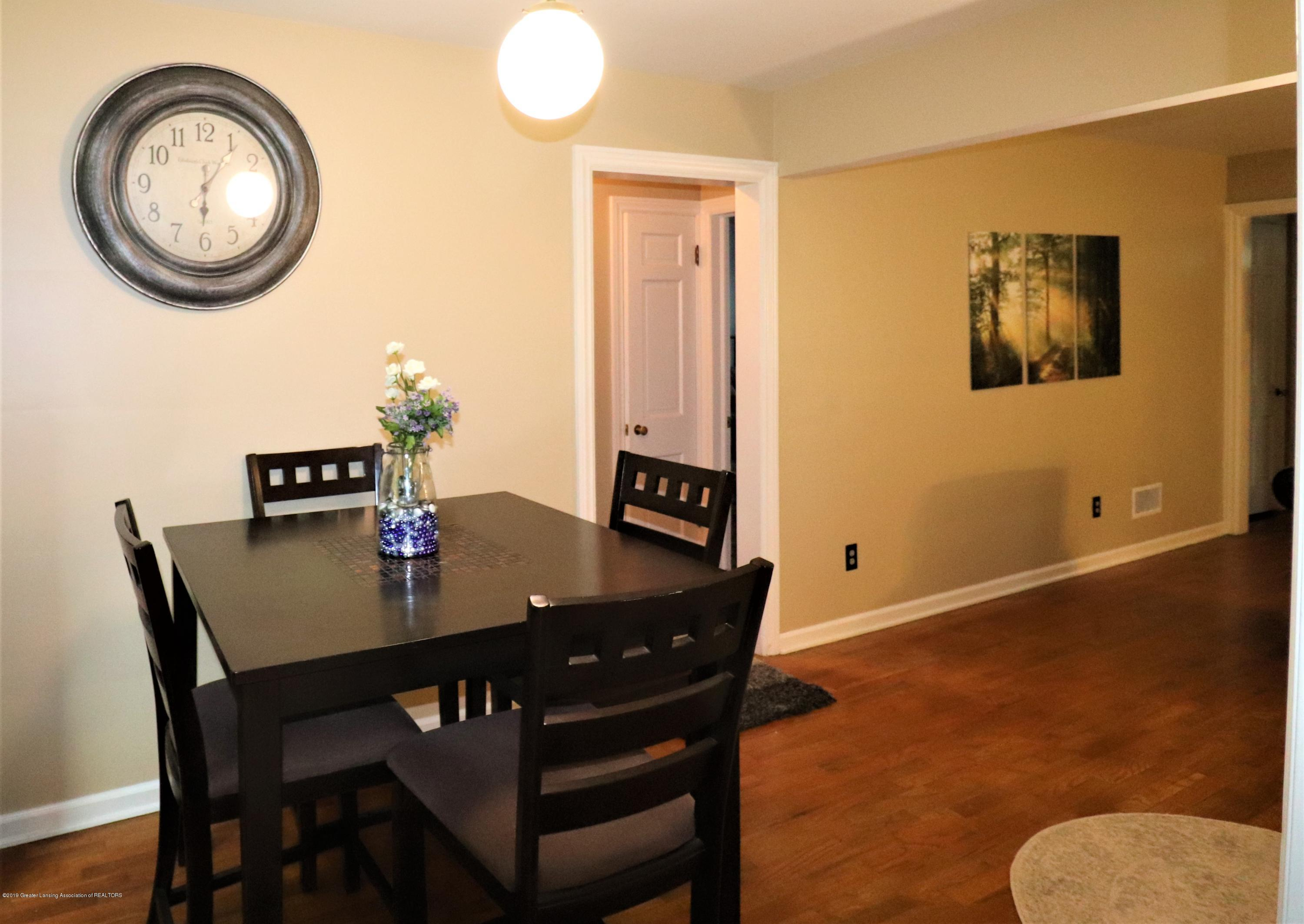 1201 Cleo St - 10 DINING TO LIVING - 10