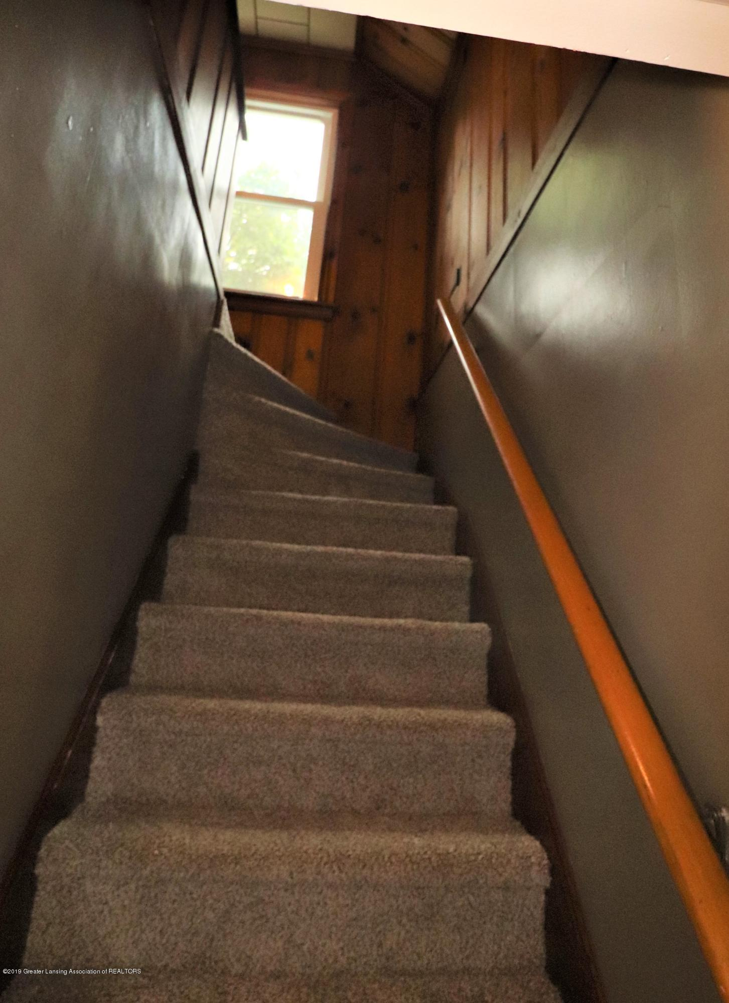 1201 Cleo St - 21 STAIRS UP TO 2ND - 21