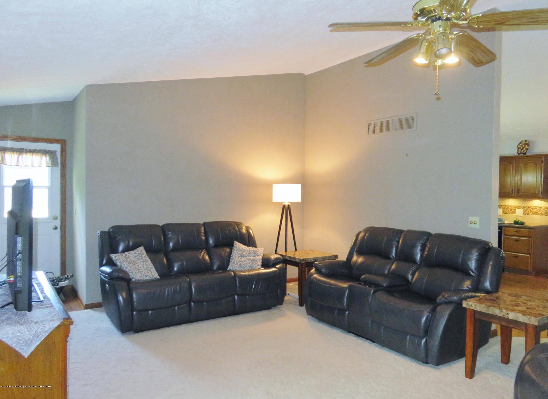 13240 Blackwood Dr - Living Room - 11