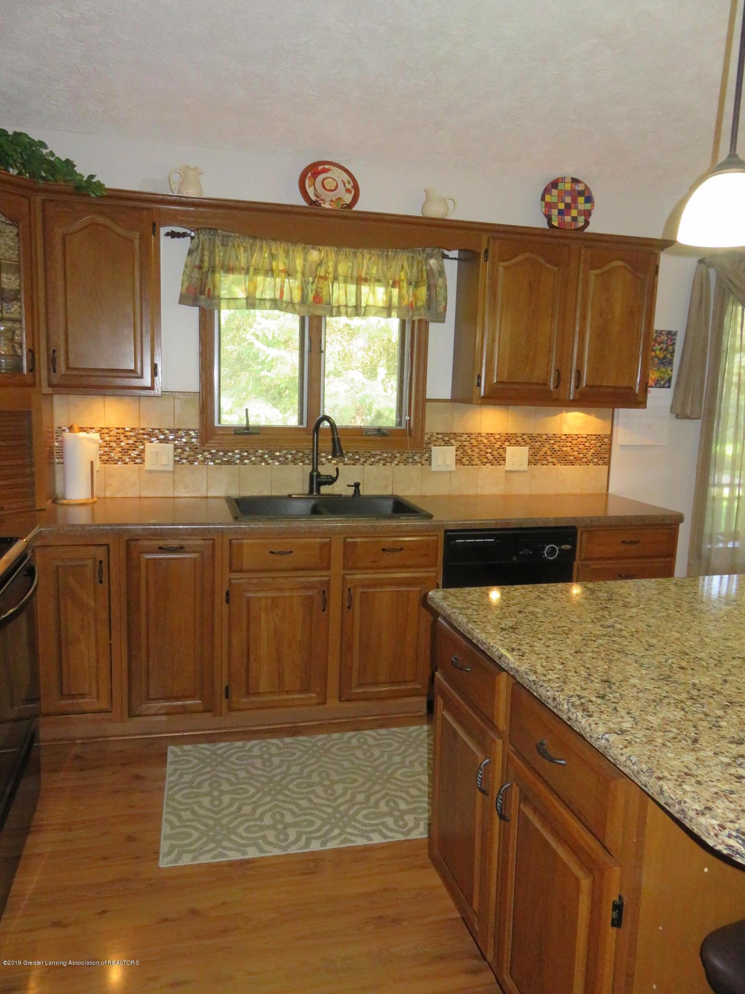 13240 Blackwood Dr - Kitchen - 6