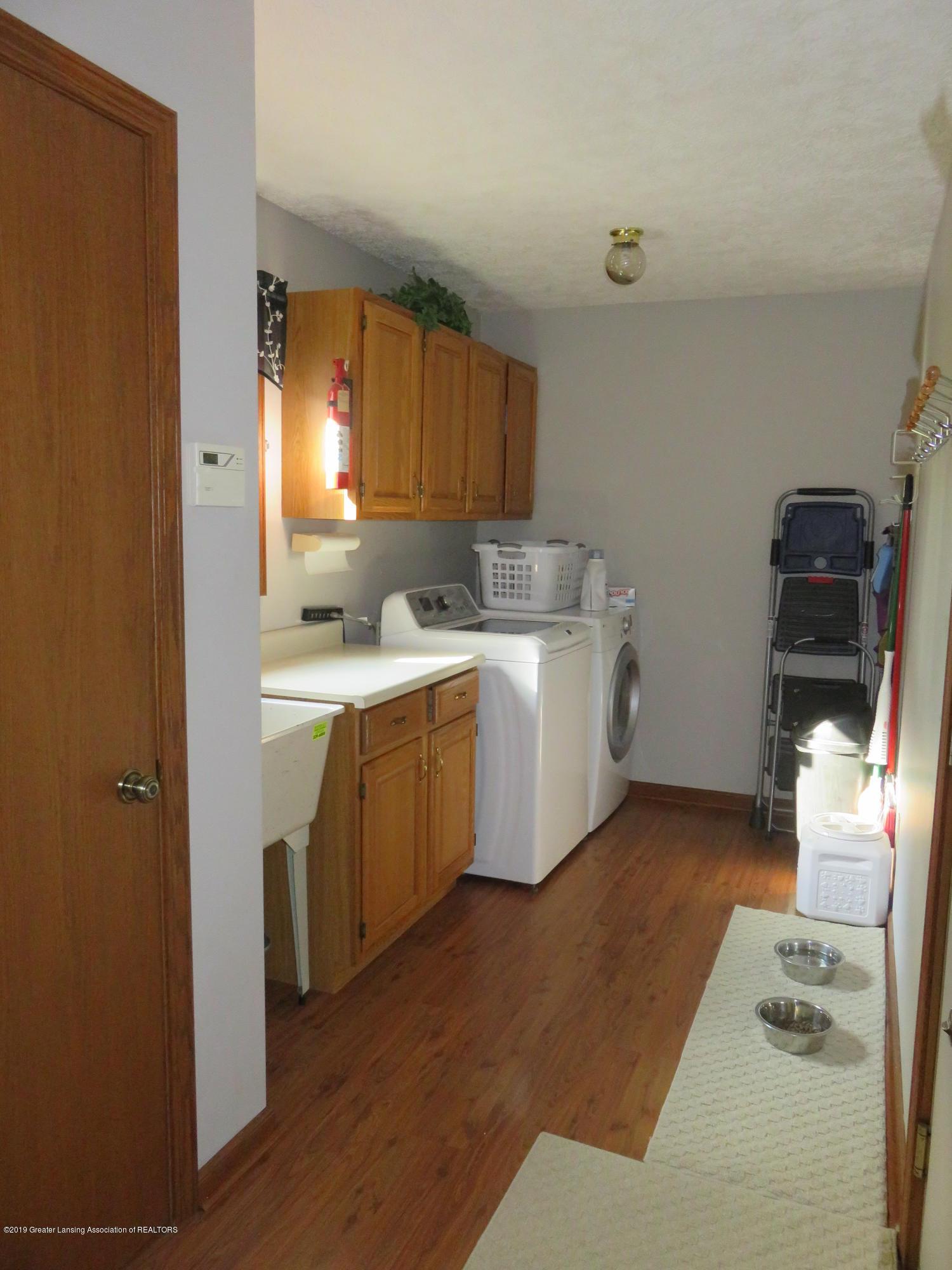 13240 Blackwood Dr - Laundry/Mud Room - 24