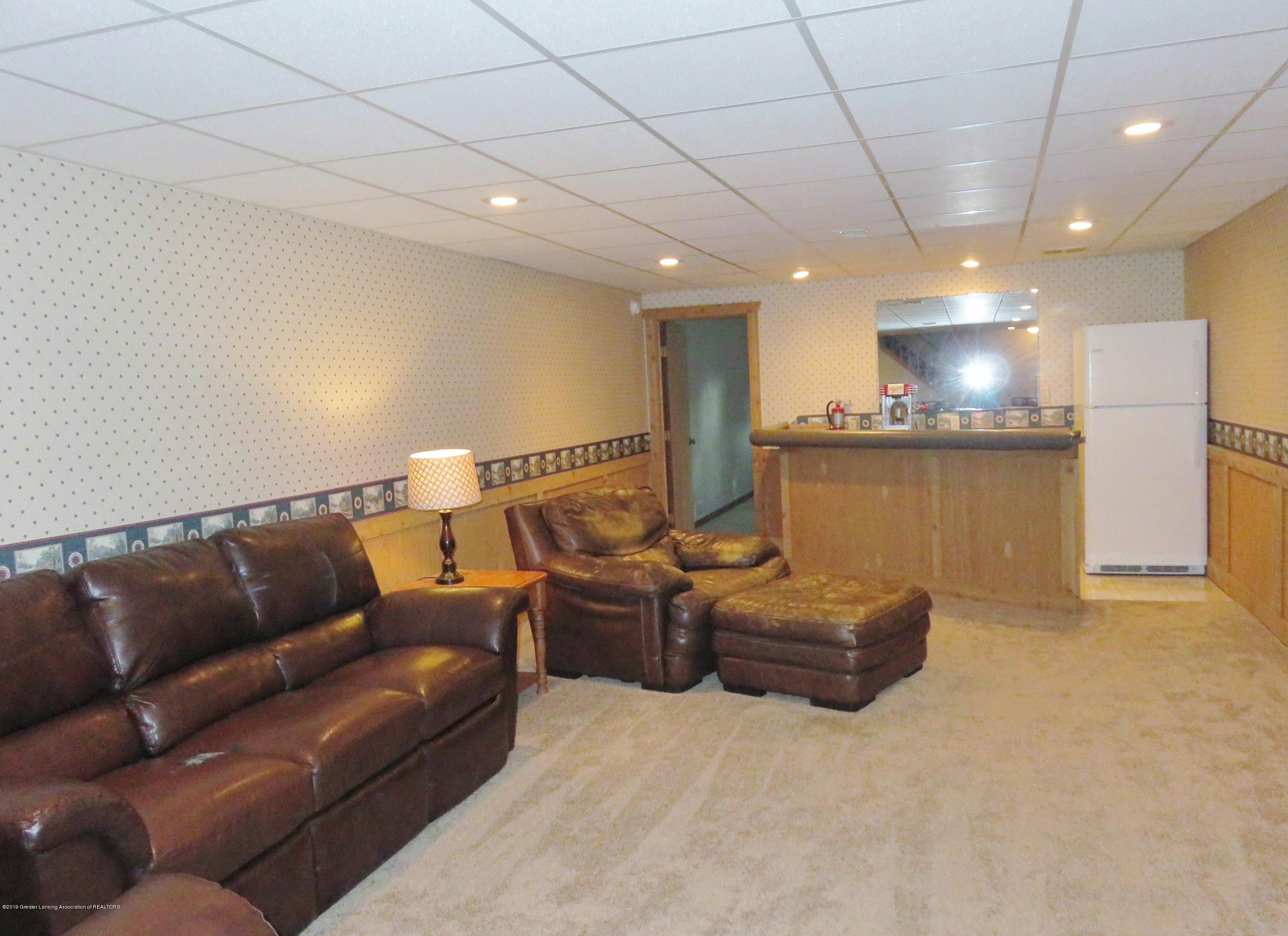 13240 Blackwood Dr - Family Room - 25