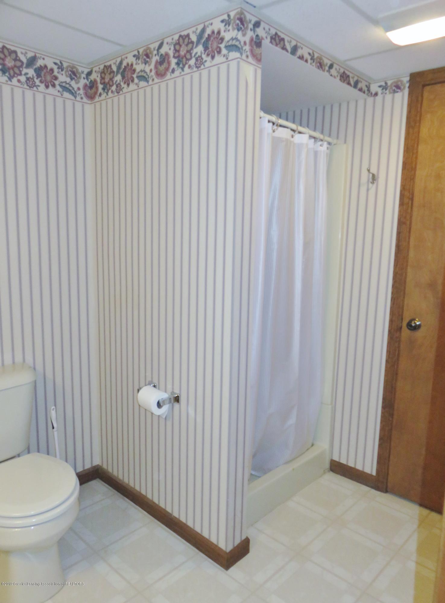 13240 Blackwood Dr - Lower Level Full Bath - 33
